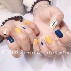 黄色手绘方圆形蓝色白色美甲图片