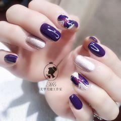 紫色手绘方圆形银色蝴蝶美甲图片