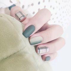 绿色方形磨砂晕染格纹渐变高级感美甲图片