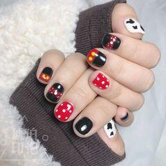 红色方圆形短指甲波点可爱手绘黑色美甲图片