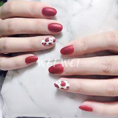 红色丝绒质感豹纹美甲图片