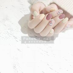 方形磨砂短指甲简约跳色豆沙色黄色波点美甲图片