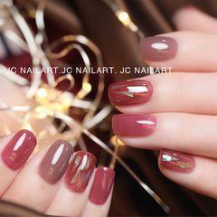 红色酒红色方圆形新年短指甲跳色极致单色#美甲帮研习社~上海三林校区美甲图片