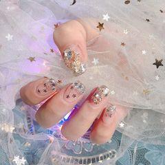 银色方圆形新娘贝壳片短指甲渐变钻新年美甲图片