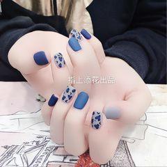 蓝色简约方圆形手绘豹纹磨砂美甲图片