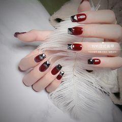 酒红色方形新年美甲挑战新年新娘新年网红款美甲图片