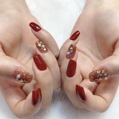 方圆形红色焦糖色珍珠金箔新年美甲图片