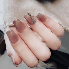 裸色方圆形新年美甲挑战新年短指甲猫眼日式施华洛世奇分享美甲图片