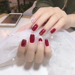 方圆形红色手绘心形新年美甲图片