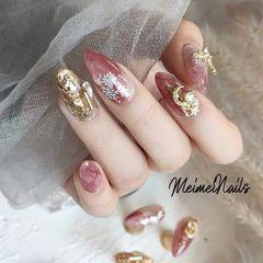 尖形新年新娘晕染粉色雪花金属饰品美甲图片