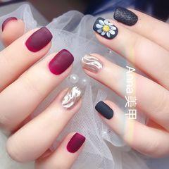 方圆形酒红色黑色水波纹手绘花朵磨砂美甲图片