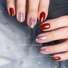 酒红色新年短指甲日式方圆形银箔美甲图片