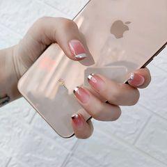 裸色方形魔镜粉法式简约上班族新年不一定要做红色,这款美肤色渐变加上法式魔镜粉,百搭又时尚!适合的年龄段很广!超级适合白领,既干净,又前卫!!美甲图片