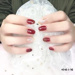 红色圆形金箔新年美甲图片