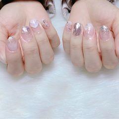 圆形金箔贝壳片短指甲渐变水波纹镜面粉美甲图片