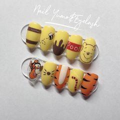 黄色橙色短指甲新年美甲挑战卡通手绘#卡通 彩绘 迪士尼 维尼熊 跳跳虎美甲图片