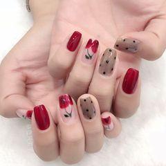 红色裸色方形彩绘美甲图片