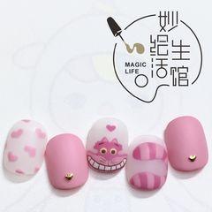 方圆形磨砂手绘可爱粉色美甲图片