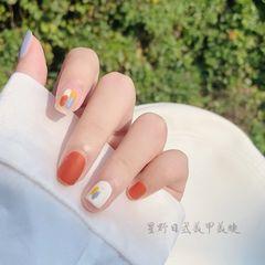 橙色方圆形春天美甲图片