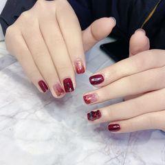 酒红色方圆形短指甲简约渐变玻璃纸小熊美甲图片