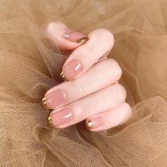 裸色方圆形魔镜粉美甲图片