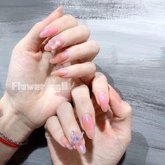 裸色圆形春天简约偏光紫色美甲图片
