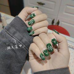 方圆形绿色心形心跳美甲图片