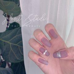 磨砂简约镜面钻珍珠梯形甲  透紫灰  褶皱镜面  戒指款美甲图片