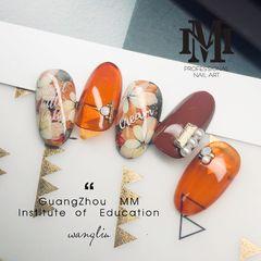 花朵手绘圆形橙色珍珠日式美甲图片