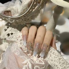 裸色尖形春天渐变新娘简约钻美甲图片