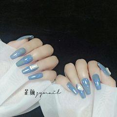 蓝色方形简约极光粉灰色钻美甲图片