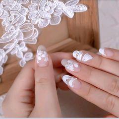 方圆形新娘简约花朵磨砂2020网红奶仙美甲|芭蕾舞鞋 丝滑绸带搭配精致复古的珍珠 款式干净高级 也超级适合做新娘美甲哦~美甲图片