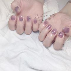 圆形夏天简约上班族紫色美甲图片