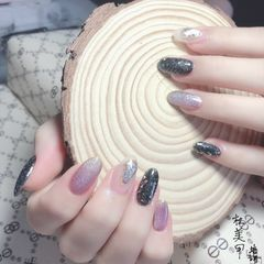 黑色紫色美甲图片
