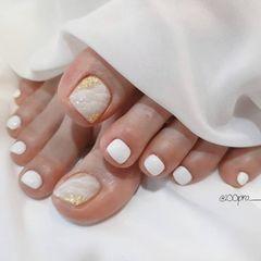 晕染金箔简约脚白色韩式美甲图片