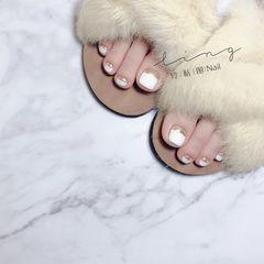 脚夏天简约法式白色镜面美甲图片
