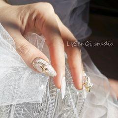 尖形新娘花朵LZ新娘甲系列之一生独一。美甲图片