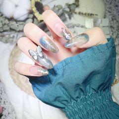 蓝色尖形金箔晕染夏天日式油画风魔镜粉石纹自带降温的灰蓝色蝴蝶仙女款美甲图片