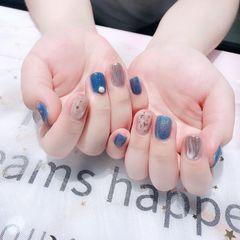 蓝色方圆形短指甲贝壳片水波纹珍珠美甲图片