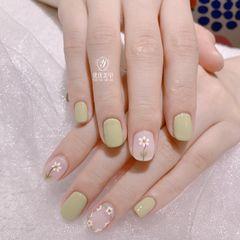 绿色方圆形夏天花朵小清新美甲图片