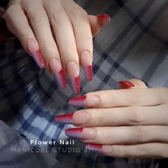 红色蓝色异形渐变夏天法式美甲图片