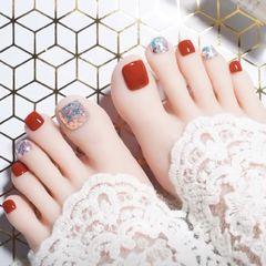 红色方圆形脚亮片美甲图片