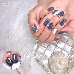 方圆形渐变贝壳片珍珠白色灰色铆钉美甲图片