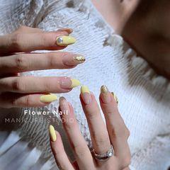 黄色裸色圆形夏天金箔贝壳片珍珠法式美甲图片