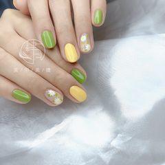 黄色绿色美甲图片