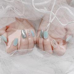 蓝色方形贝壳片金箔魔镜粉美甲图片