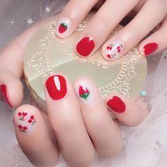 红色短指甲夏天白色水果美甲图片