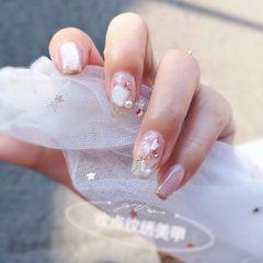 裸色方形夏天金箔简约贝壳片新娘魔镜粉美甲图片