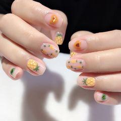 裸色黄色圆形夏天短指甲可爱手绘水果美甲图片