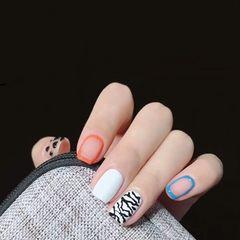 蓝色橙色方圆形短指甲格纹波点白色手绘美甲图片